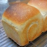 ライ麦と蜂蜜の食パン