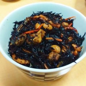 【煮干出汁】ひじきの煮物