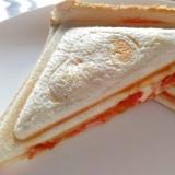 朝食に☆ハムトマトチーズホットサンド