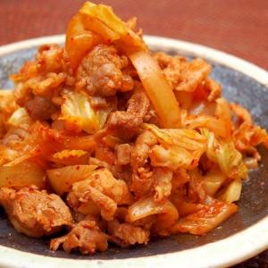 一緒に炒めて美味しい「豚キムチ」レシピ