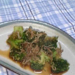 お弁当に!緑のおかず!ブロッコリーのじゃこ炒め♪