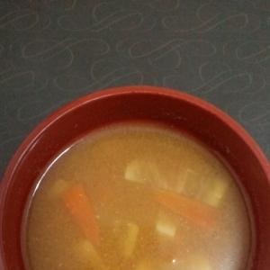 大根と人参のお味噌汁