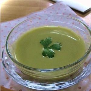 えんどう豆と新たまねぎの冷製スープ
