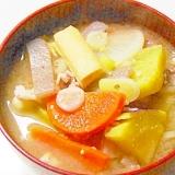 根菜たっぷりサツマイモ入り豚汁