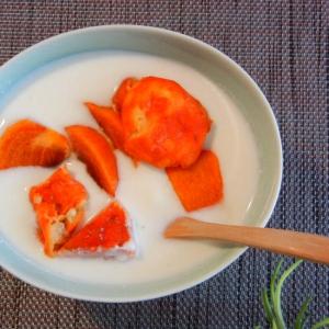 セミドライポポーと柿の秋ヨーグルト