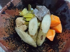 優しい味わい!常備菜☆ごぼう鶏団子煮