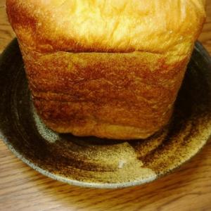 ホームベーカリーにお任せの焼いきも食パン♡