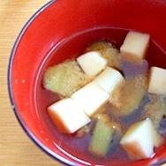 ナスとはんぺんの味噌汁