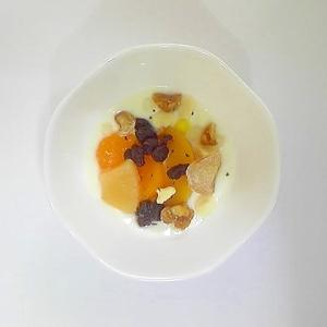 黄桃、みかん、パインのヨーグルト
