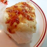 チーズとなめたけとえごまパウダーの焼おにぎり