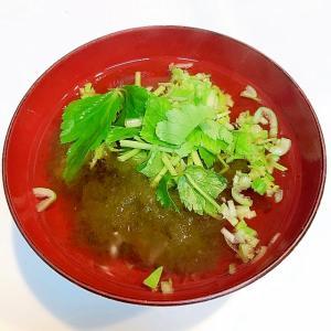 長ネギとみつ葉ととろろ昆布の☆美味しい和風スープ