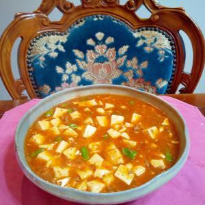 マーボー豆腐にアスパラ