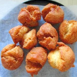 黒糖入り沖縄ドーナツ(サーターアンダギー)
