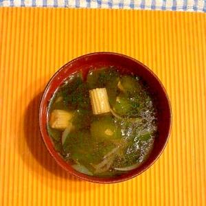 ヤングコーンとワカメのスープ♪