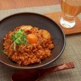 卵でまったり!簡単合いびき肉とキムチの混ぜご飯