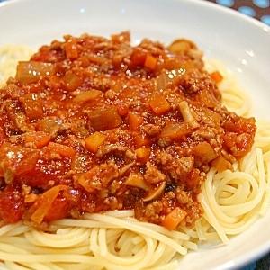 野菜ゴロゴロ  ミートソーススパゲッティー