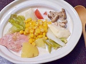 北海道の郷土料理☆鮭とじゃが芋の石狩鍋
