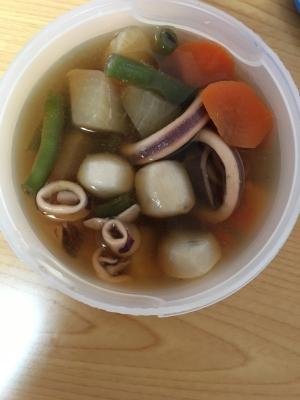 冷凍里芋とイカの煮物(*^^*)☆