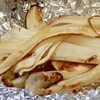 松茸のクシャクシャホイル蒸し焼き(塩味)