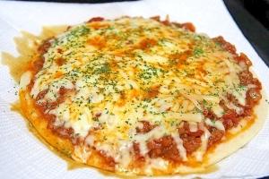 パーティーに最適♪ ミートソース(ボロネーゼ)ピザ