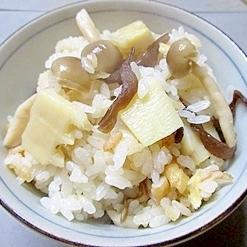 山菜いっぱい!筍の炊き込みご飯