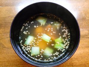 薩摩芋とブロッコリーの茎の中華スープ
