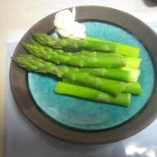 新鮮なアスパラ煮