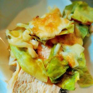 サラダチキンを使ってキャベチーズ焼き