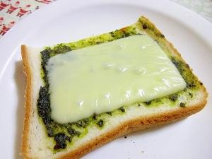 手作りバジルオイル♪チーズトースト♪
