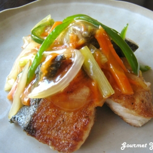 魚の切り身で野菜あんかけ