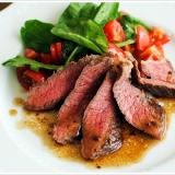 ステーキというよりはサラダ感覚です牛肉のタリアータ