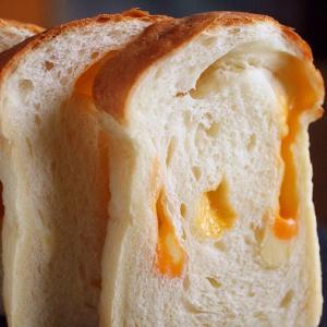 •贅沢!4種のチーズブレッド•