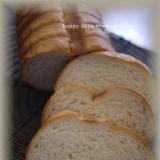 トヨ型で♪もっちり白玉粉入りパン