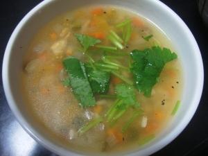 押し麦と野菜のスープ