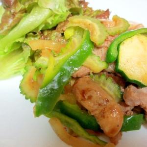 緑の野菜と豚肉、エリンギの炒め物