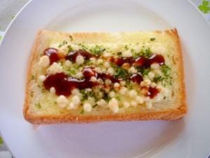 揚げ玉とチーズ・青海苔でお好み焼き風トースト~☆