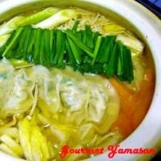 オイスタースープ de 味付け餃子鍋