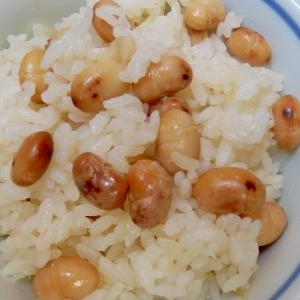 保温調理で柔らか大豆ご飯