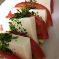 簡単☆塩豆腐とトマトでなんちゃってカプレーゼ風