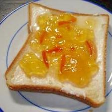 クリームチーズとマーマレードトースト