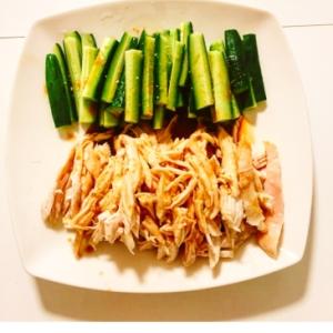 美味しいよ♬ きゅうりと蒸し鶏の棒棒鶏