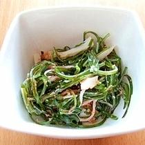 切り昆布のサラダ