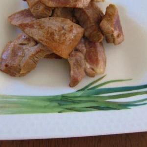 手軽でおいしい、豚肩ロースブロックのごま油風味焼き
