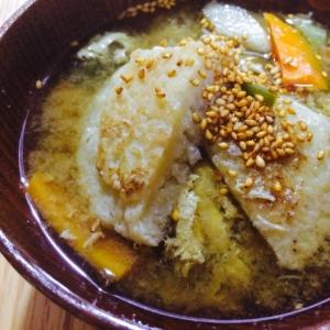 【ガサツ料理】根菜たっぷりホロホロ芋餅の味噌汁
