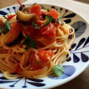 トマト嫌いでも食べれる♪完熟トマトのパスタ