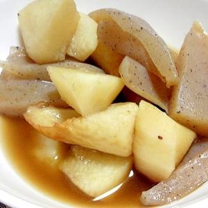 コンニャクと長芋と竹輪の煮物
