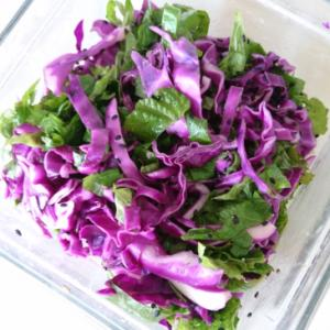 紫キャベツとシソのサラダ