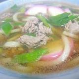 野甘草+コシアブラ+牛肉+紅白かまぼこの肉うどん☆