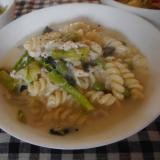 ツナと小松菜のクリームスープパスタ