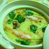 大胆に土鍋で海老入り茶碗蒸し